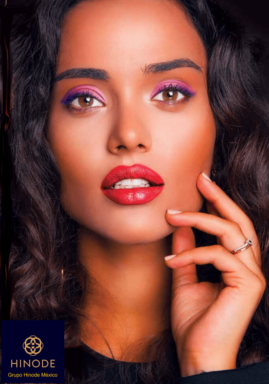 Mujer morena hermosos labios